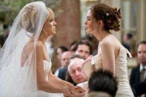 noivas em guerra: filme mostra caso clássico de BFFs